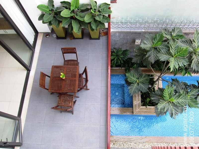 villa-for-rent-in-hcm-From 3rd flr balcony looking down32