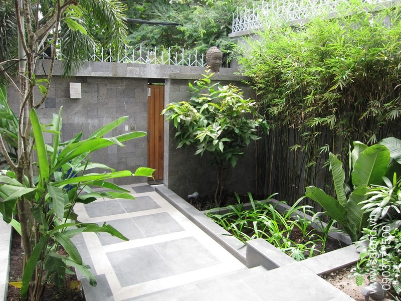 villa-for-rent-in-hcm-Pedestrian entrance46