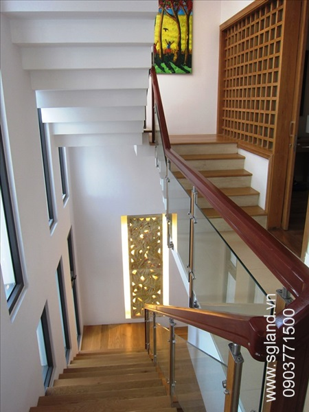 villa-for-rent-in-hcm-stairs53