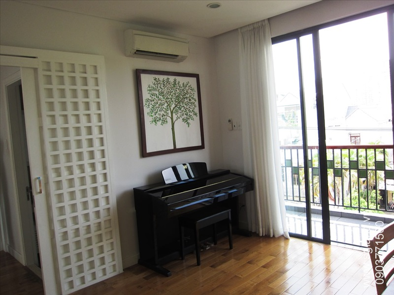 villa-for-rent-in-hcm-Boys study 214