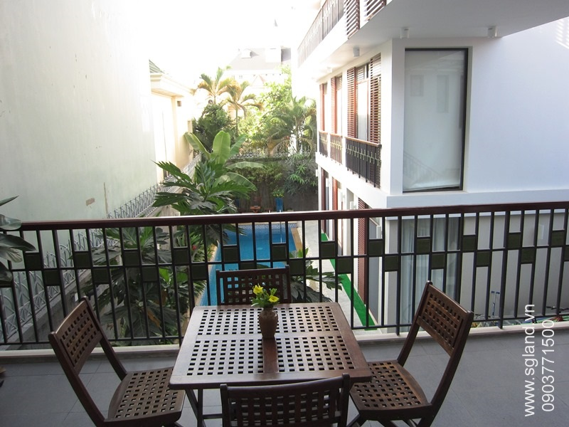 villa-for-rent-in-hcm-Living room's balcony37