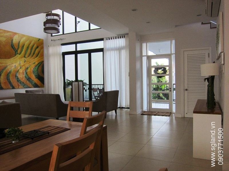 villa-for-rent-in-hcm-Looking fr dining area38