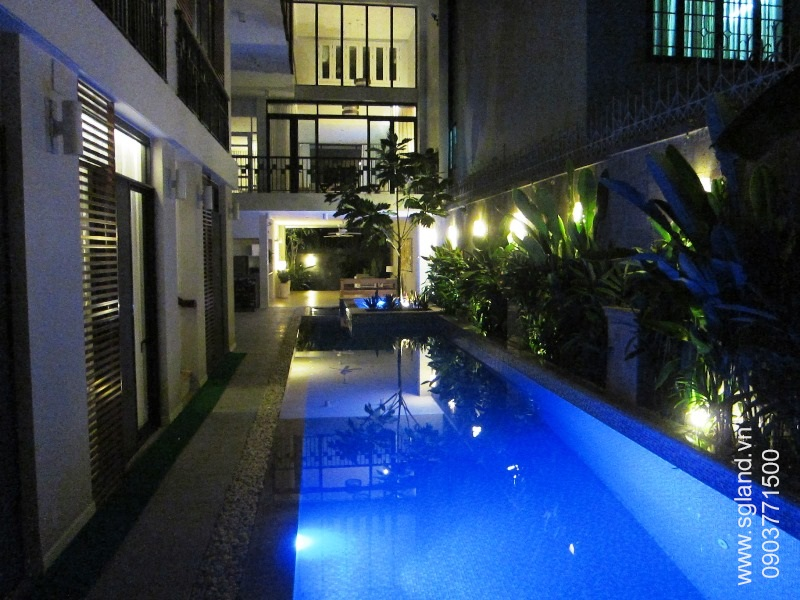 villa-for-rent-in-hcm-Pool at night 148